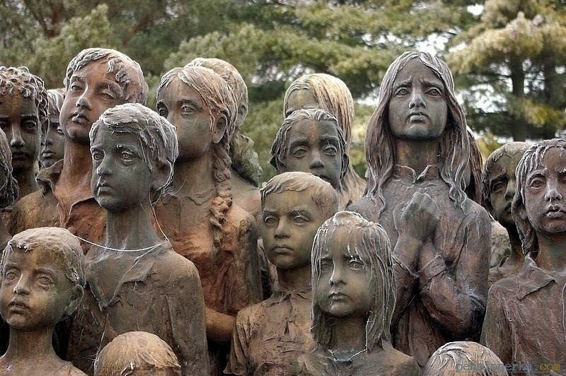Памятник погибшим детям цены на памятники в россии женские